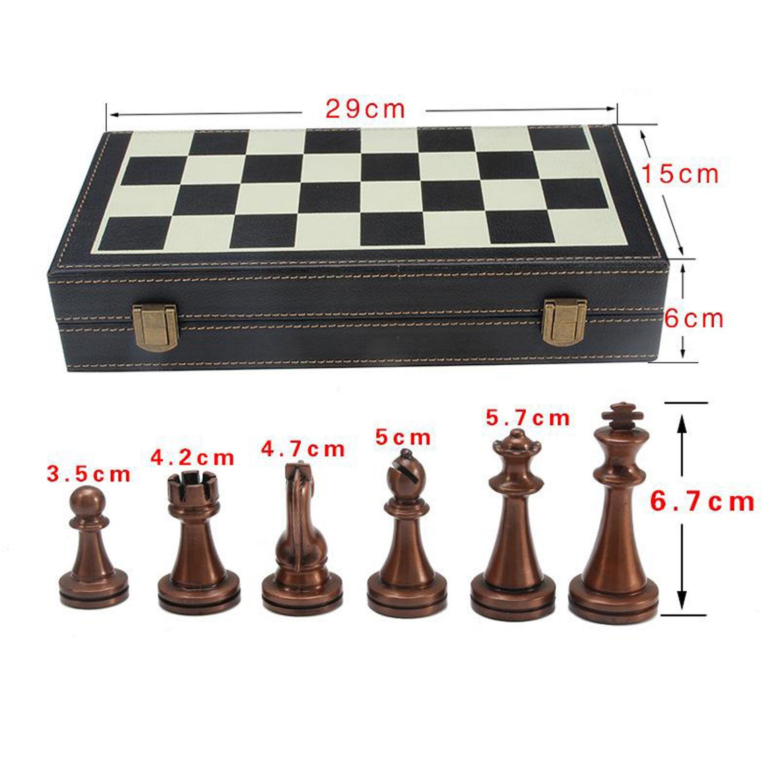 Piezas metálicas y Tablero de ajedrez plegado
