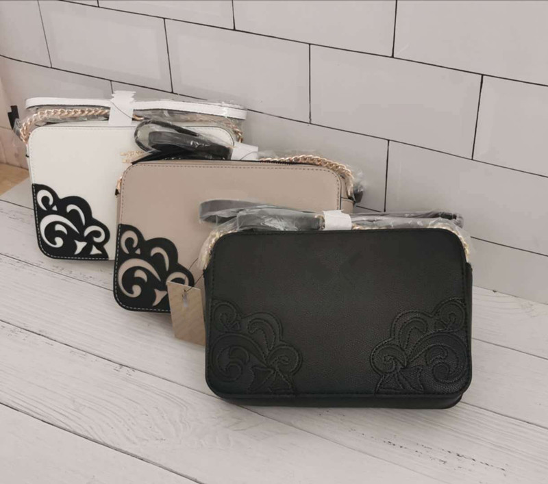 2020 New Cases Shoulder Messenger Bags Chain Small Package Pattern Flowers Women's Bags Solid Color