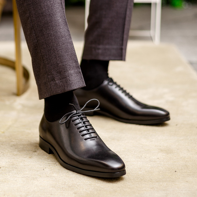 LL Mens Business Oxford Casual Style The British Tassel is Wearing Fashionable Pointed Toe Shoes Semi Formal