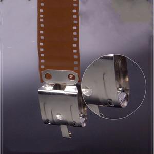 Image 2 - 2 adet Film hava kuru karanlık oda işleme ekipmanları 120 135 35mm negatif sayfa Film paslanmaz çelik klipler ile kurşun düz