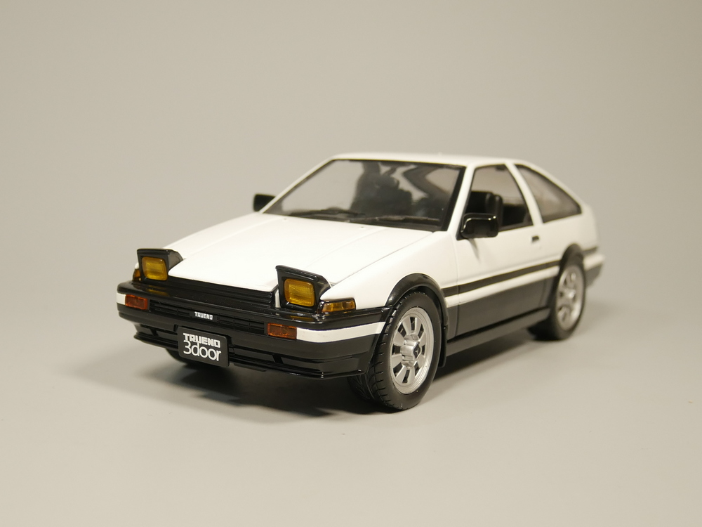 Hotworks 1:24 TOYOTA SPRINTER TRUENO AE86 1983 Diecast Model Car
