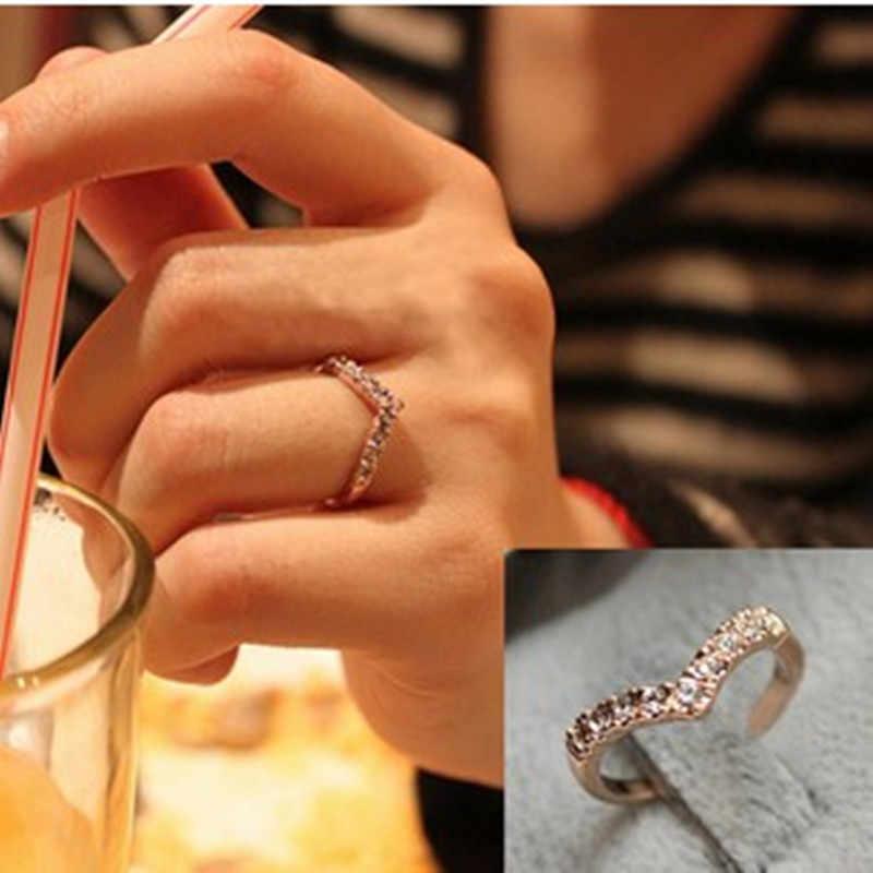 2019 heißer Hohe qualität zirkon engagement ringe für weibliche herz liebe hochzeit ring österreichischen kristalle frauen schmuck großhandel