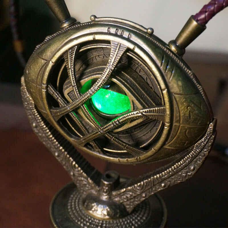 Docteur oeil d'agamotto étrange 1:1 métal lumière LED temps infini pierre socle