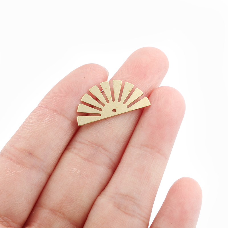 20 pçs de bronze cru encantos setor aberto flor pingente bohemia jóias diy feminino brinco pulseira fazendo descobertas