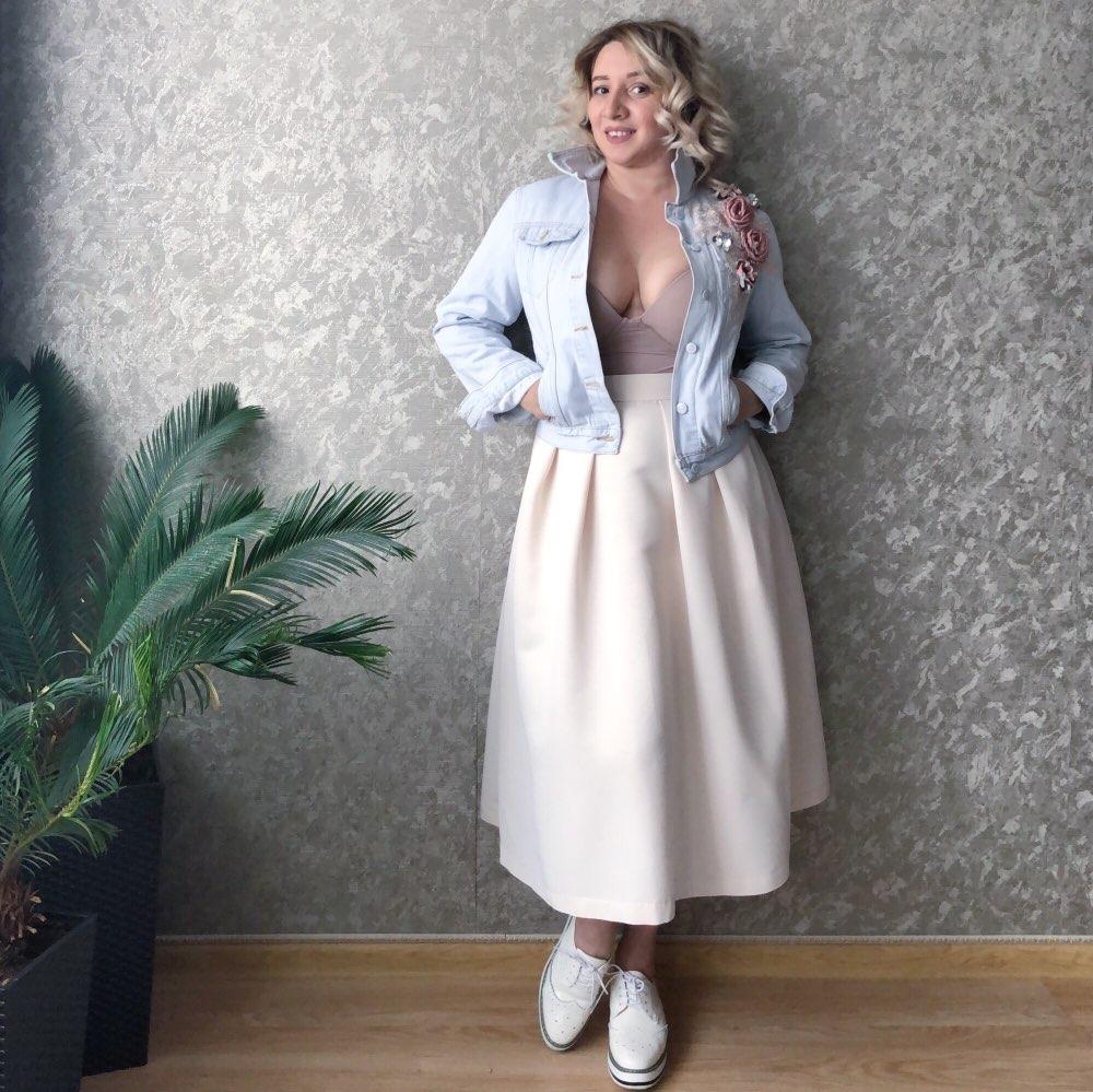 2019 Autumn Women Embroidery Three Dimensional Flowers Pearl Bead Short Denim Coat Woman Long Sleeve Jean