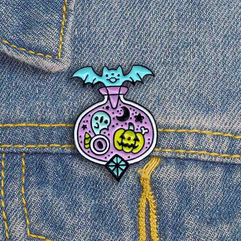 Halloween Pipistrello Zucca Pozione Spille Smalto Midnight Magic Bottiglia di Medicina Fiaba Pastello Gothic Spilla Dress Up Accessori