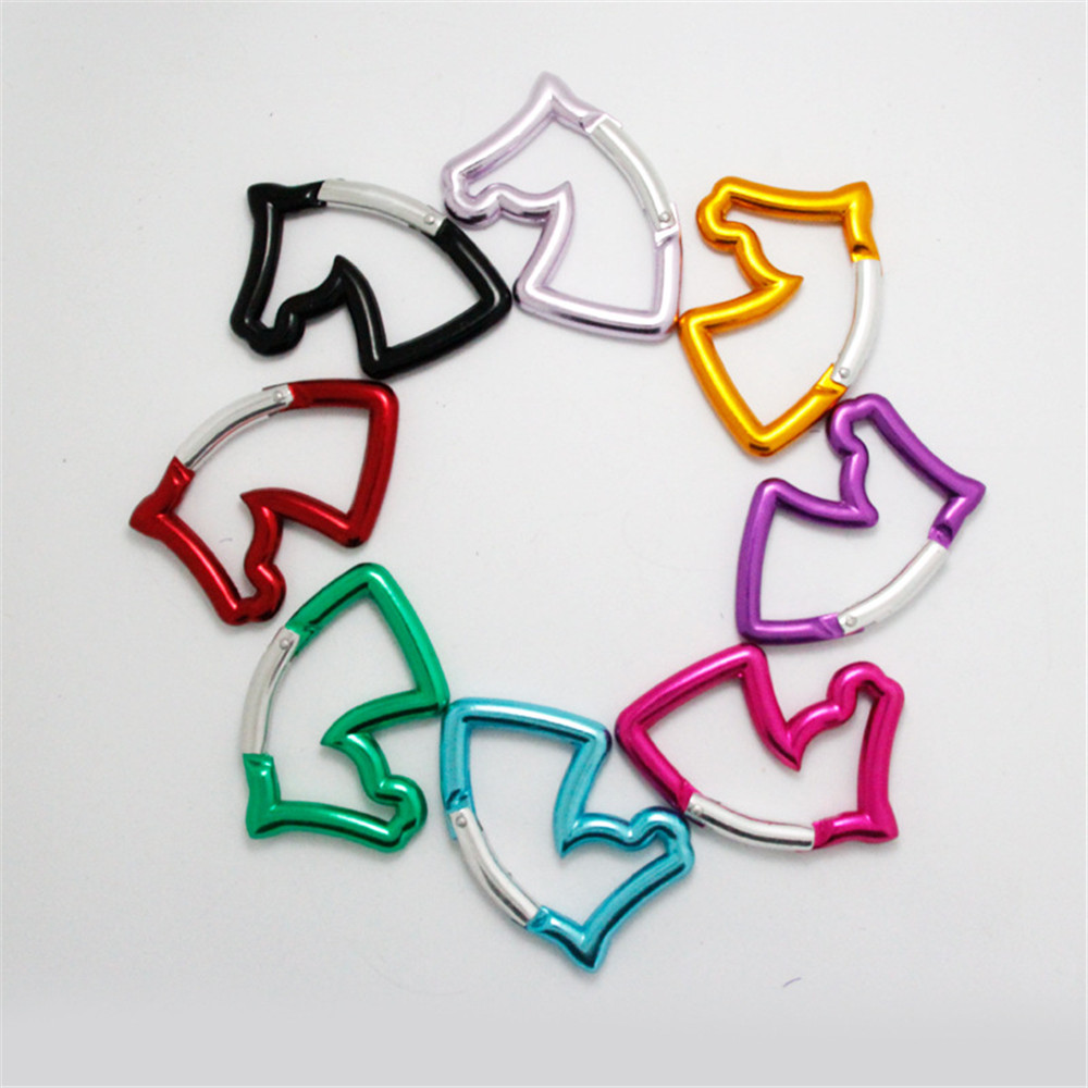 1Pc Aluminum Carabiner Outdoor Tactical Carabiner Horse Head Color Shaped Buckle Kettle Toy Clothing Luggage Key Chain 66x42mm