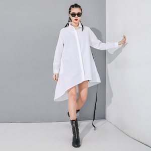 Image 3 - [EAM] Women Black Asymmetrical Buckle Split Blouse New Lapel Long Sleeve Loose Fit Shirt Fashion Tide Spring Autumn 2020 1N485