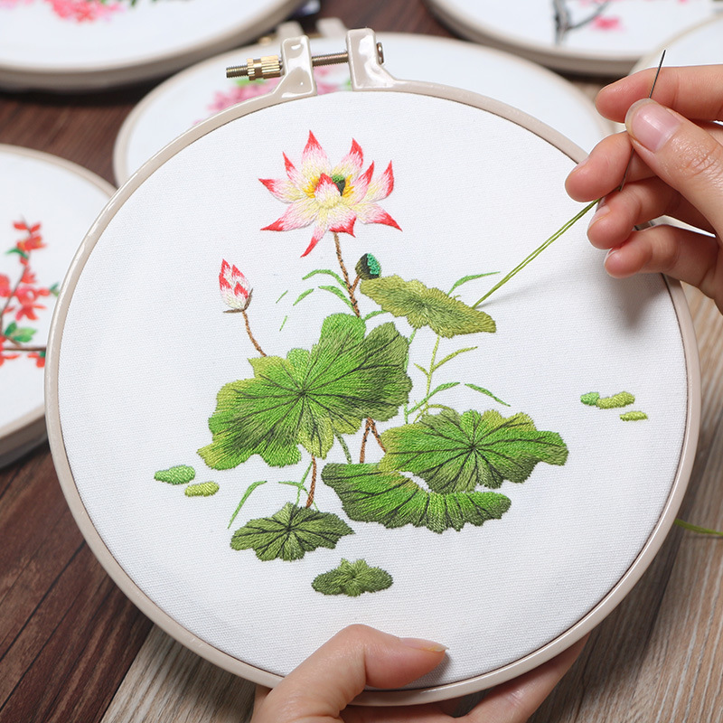 DIY Embroidery Lotus Hand-made Creative Student Materials Package European Small Three-dimensional Flowers 3D Thread Embroidery