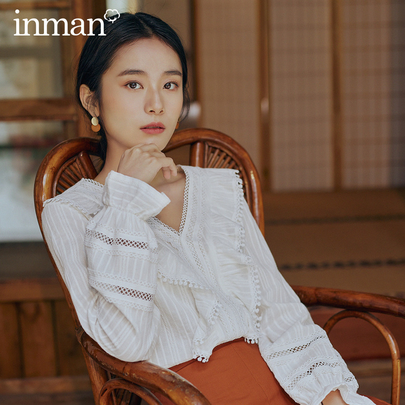 INMAN 2020 Spring New Arrival Literary Dimple Series Retro Girlish V-neck Splicing Falbala Long Sleeve Blouse