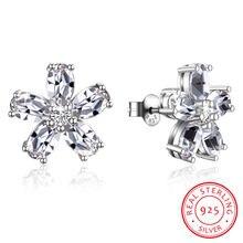 Серьги гвоздики в виде цветка с кристаллами