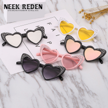 Neek Reden 2019 Kids Sunglasses Boys Girls Brand Kids Heart Sun Glasses Children Rhinestone Fashion Love Eyewear Baby Glasses
