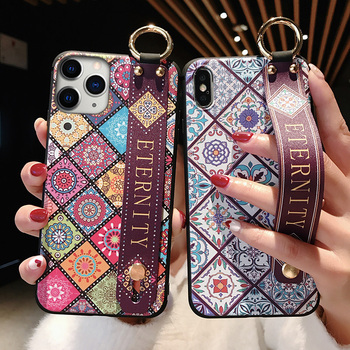 Wrist Strap Soft TPU Cases For iPhone 11 pro max 6s 7 8 Plus X XR Xs SE 2020 Vintage Lattice Flower Pattern Phone Holder Cover 1