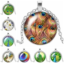 2019 New Peacock Feather Pattern Color Charm Necklace Three-color Handmade Art Making Pendant Gift Chain