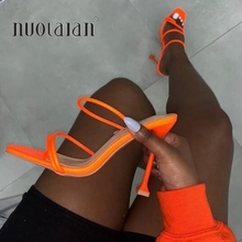 Zapatos de tacón alto y fino con estampado de serpiente para mujer, sandalias sexys con punta cuadrada, para verano, 2020