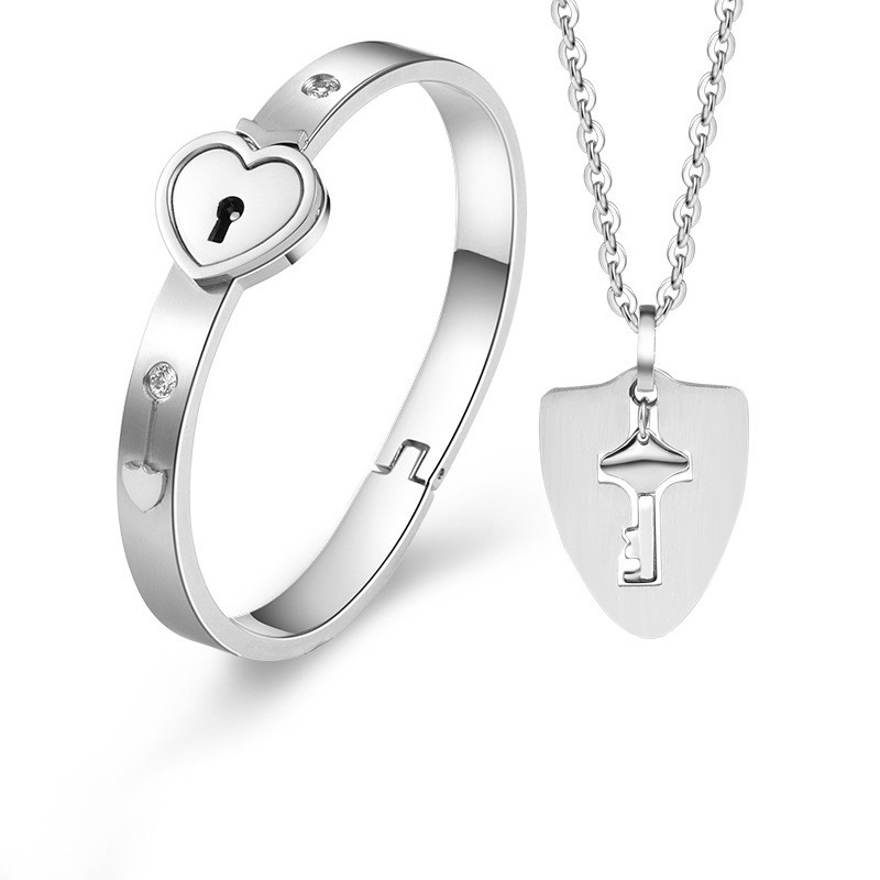 H107e002e7f1941059302f46c1fd21f30L - Fashion Jewelry Sets For Lovers Stainless Steel Love Heart Lock Bracelets Bangles Key Pendant Necklace Couples Set