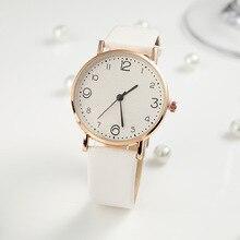 Style du haut de la mode des femmes luxe en cuir bande analogique Quartz montre-bracelet doré dames montre robe Reloj