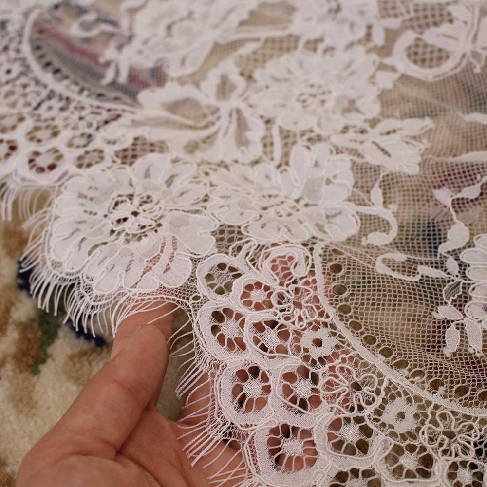 Cathedral Eyelash Lace 3 Meters Wedding Veil with Comb 3M Long Bridal Veil One Layer Veil Wedding Accessories