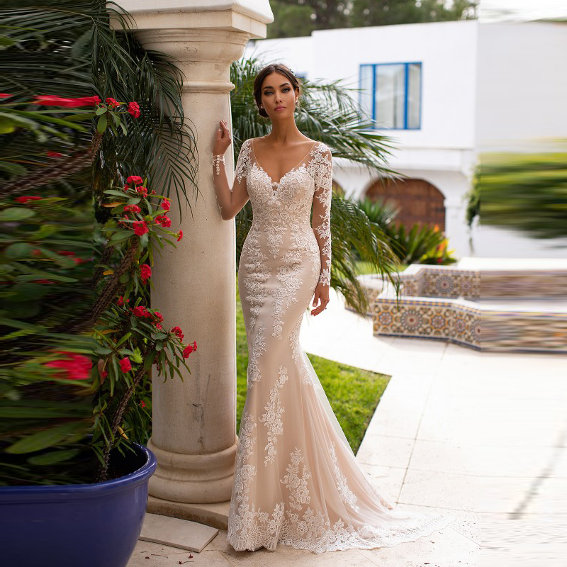 New Arrival Charming Lace Mermaid Wedding Gowns for Bride Long Sleeve Bridal Dresses Plunge V Neckline Applique Court Train