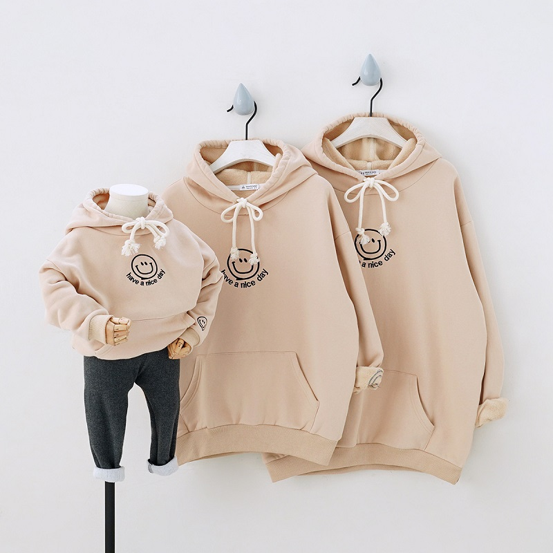 2019 Winter Children's Clothing Padded Fleece Warm Family Matching Clothes Parents Child Mom Kids Embroidered Hooded Sweaters