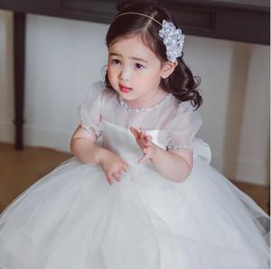 Белое кружевное платье на крестины с бусинами для маленьких девочек, наряд для первого дня рождения нарядное платье для новорожденных плат...