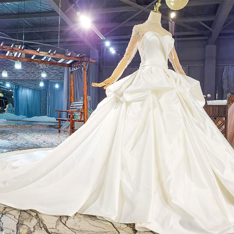 HTL1817 Simple White Sequined Beading Satin Wedding Dress 2020 Sweetheart Long Sleeve Ball Gowns 4