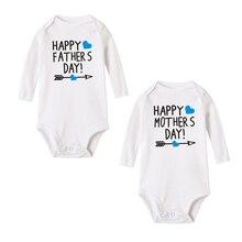 Теплые зимние хлопковые комбинезоны для маленьких мальчиков и девочек; комбинезон с длинными рукавами для младенцев; Одежда для новорожденных с принтом «Счастливые папы и матери»