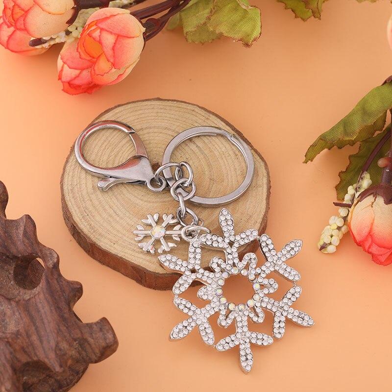 2019 Zircon Snowflake Style Keychain Fashion Versatile Jewelry Cute Shiny Metal Keychain Romantic Accessories Fine Bag Pendant