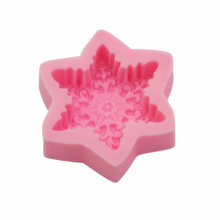 diy baking accessories christmas mini stainless steel biscuit cake chocolate 3d christmas decoration bake mold kitchen gadgets 1PC silicone mold baking cake decoration  baking 3D snowflake fudge kitchen accessory accessories chocolate biscuit baking
