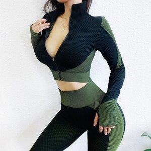 Image 1 - シームレスワークアウトヨガセット女性スポーツジム着用ランニング服女性トラックスーツスポーツウェアフィット長袖 + レギンススーツ