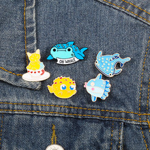 Mooie Cartoon Vis Broche Zee Dier Emaille Pins Walvis Haai Puffer Vis Badges Kat Vrouwen Denim Jassen Revers Pin Collection(China)