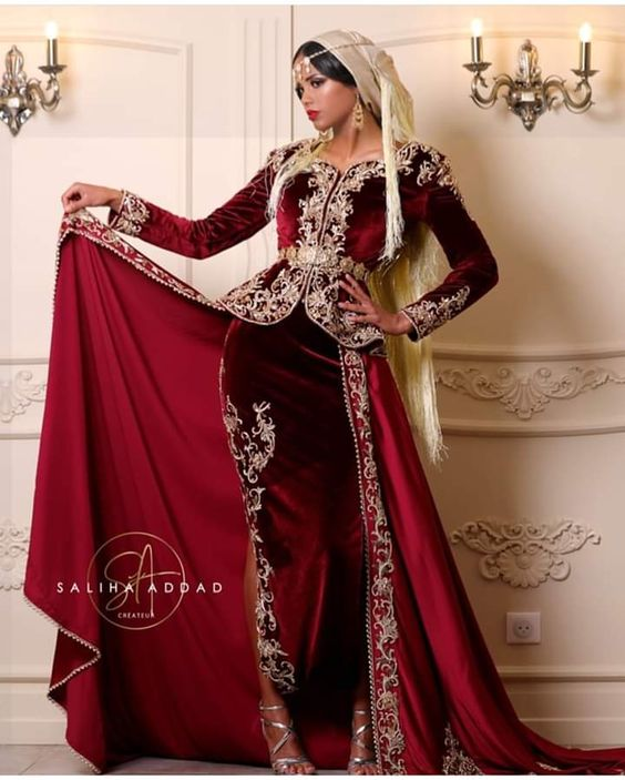 Karakou Moderne Burgundy Velvet Prom Formal Dresses With Overskirt Gold Lace Applique Long Sleeve Arabic  Evening Wear Gowns