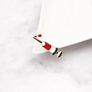 Image 2 - Moda strzykawka Pin sprzęt medyczny narzędzie broszki kreatywne emaliowane kurtki obroża szpilki torba ze znaczkami biżuteria prezenty dla lekarza pielęgniarka