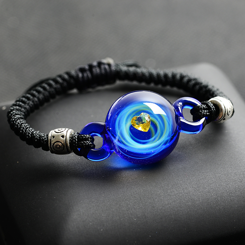Веревочный браслет на руку