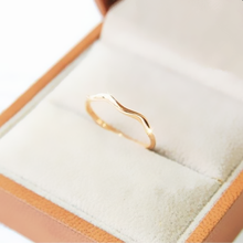 Brief elegant lovers ring fashion titanium gold color ring the joint pinky ring women16mm hot slim(China)