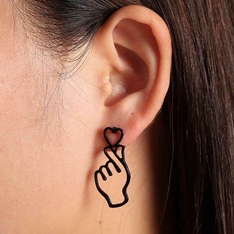 Simple Design Gold Color Hollow Hand Earrings For Women New Brand Fashion Ear Piercing Heart Gesture Earring Gift