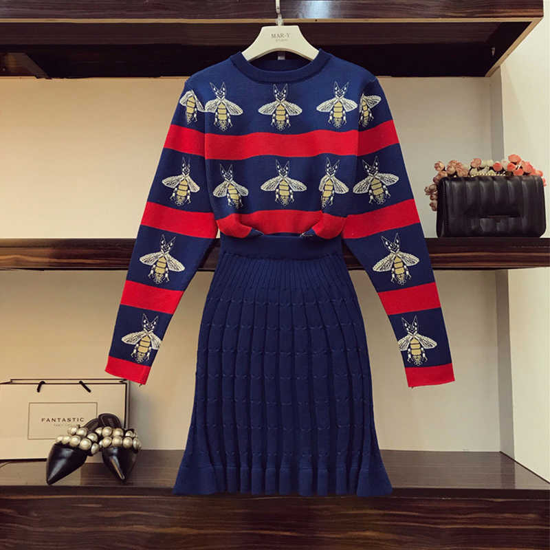Sweter zestaw kobiety 2 sztuka zestaw moda pszczół żakardowe sweter w paski + pakiet Hip plisowana spódnica garnitur zimowe stroje