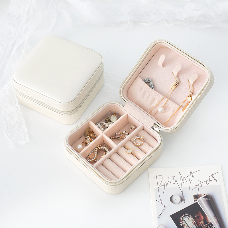 Women's Travel Makeup Organizers Jewelry Collection Box Beauty Cosmetics Stud Earrings Ring Bracelets Storage Case Accessories