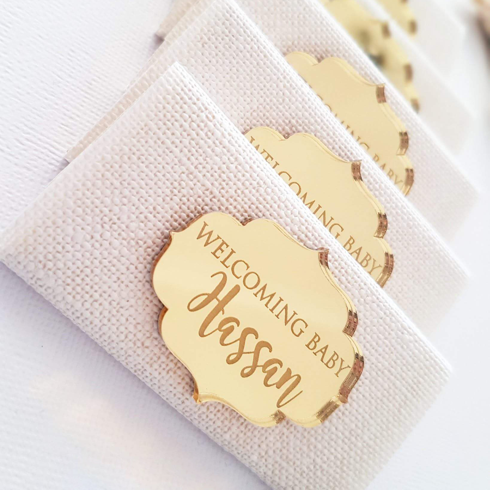 24x Personalized Chocolate Bars Favors Baby Name Gold Mirror Custom Baby Shower Plaque Tags Decor Baby Baptism Wedding Supplies