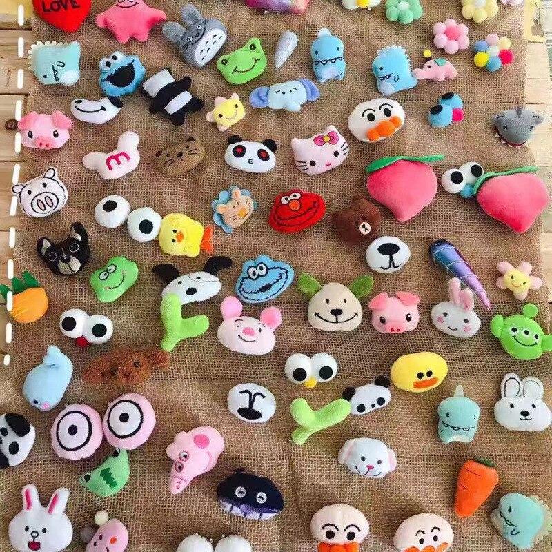 Mixed 100pcs Cartoon Sesame Street Dinosaur TOTORO  Animal Fruit  Plush 3D Pin/Brooch Badge Clothes Bags Accessories Gift Toys