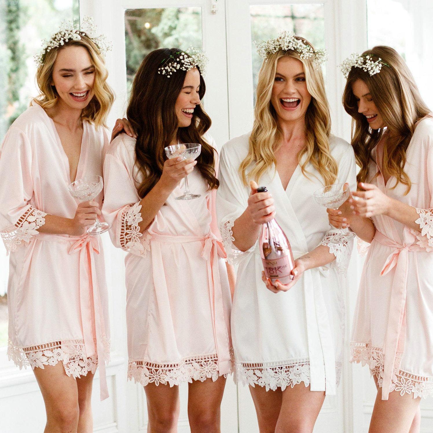 2020 Women Matt Satin Lace Robe Bride Robe Bridesmaid Robes Bridal Wedding Robe Bathrobe Sleepwear Dressing White Robes