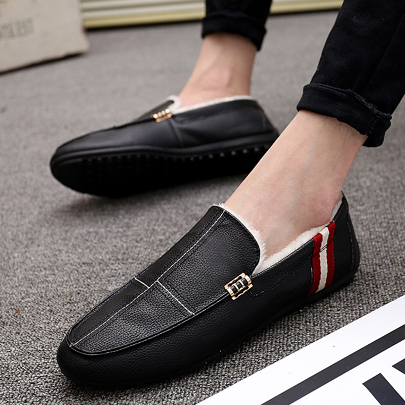 UPUPER New Winter Loafers For Men Shoes With Fur Plush Warm Leather Men Loafers Flats Male Moccasins Flats Boat Driver Driving