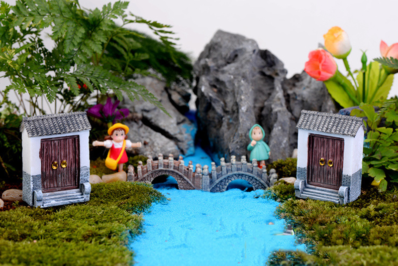 Mini Lighthouse Water Well Bridge Figurines