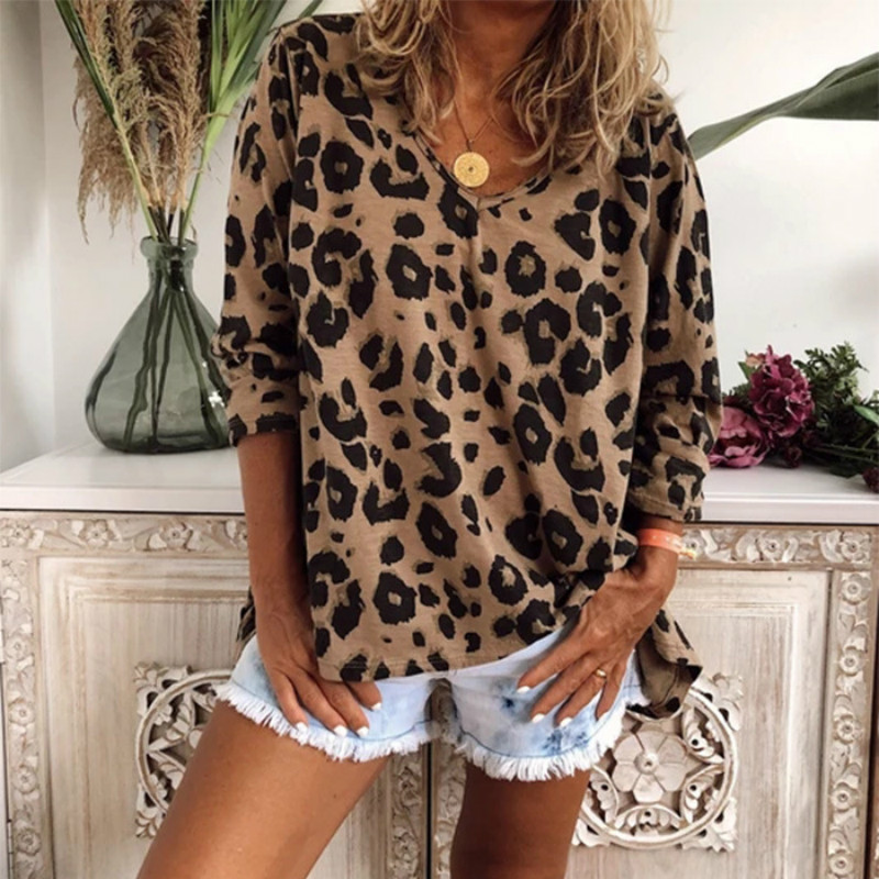 Women's Casual T Shirt Autumn Tops Streetwear Leopard Print T-shirts Loose V-Neck Long Sleeve T-shirt Female Tops Plus Size 5XL