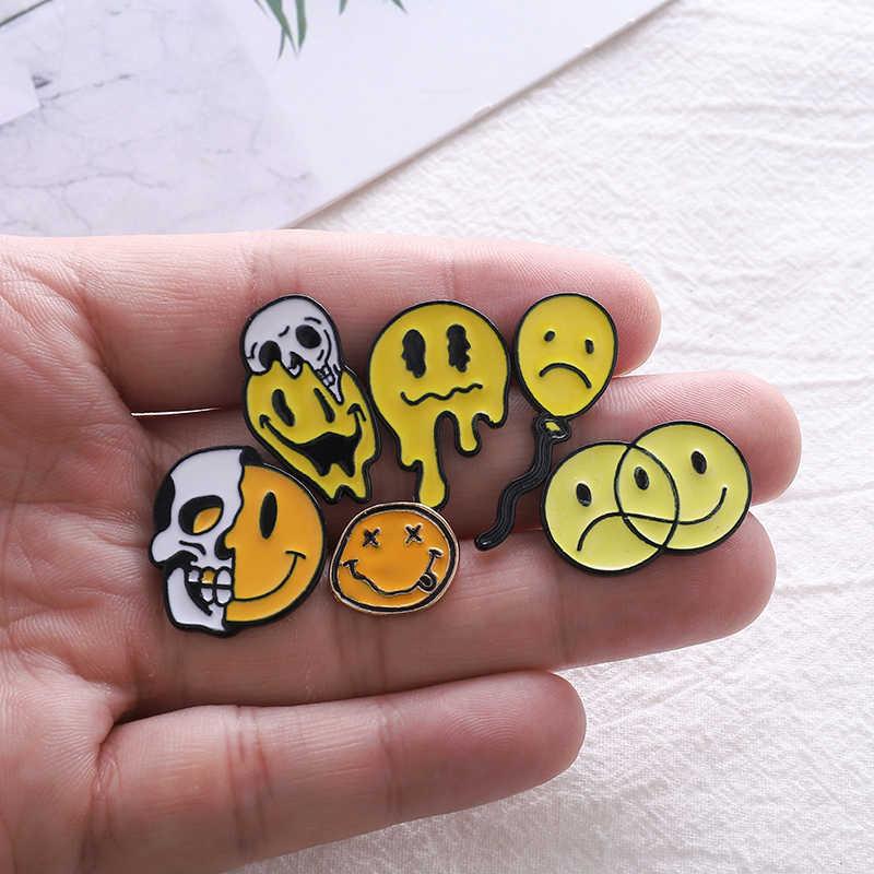 Sorriso smalto pins Giallo Halloween skull badge spille sacchetto di Vestiti cappello Lapel pin Del Fumetto sveglio dei monili di regalo per gli amici