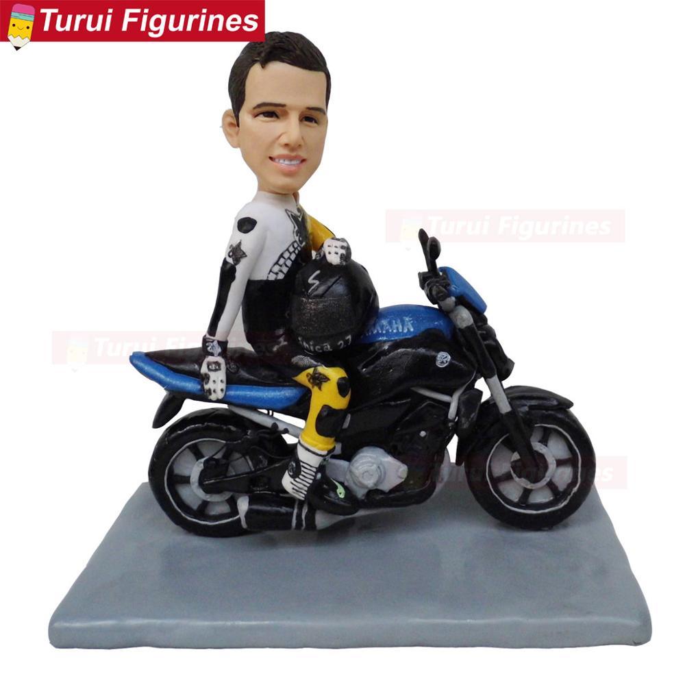 Ev ve Bahçe'ten Statü ve Heykelleri'de Adam motosiklet bobblehead şekil heykel bebek doğum günü pastası standı toppers title=