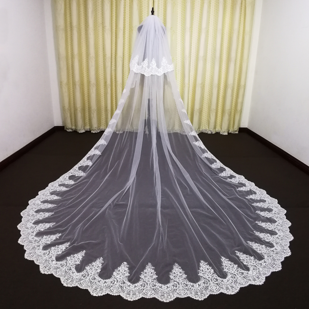 Hot sales  Gorgeous Wedding Veils two Layer Tulle Appliques Cathedral Length Lace White Ivory Bridal Veil Custom Made Veils