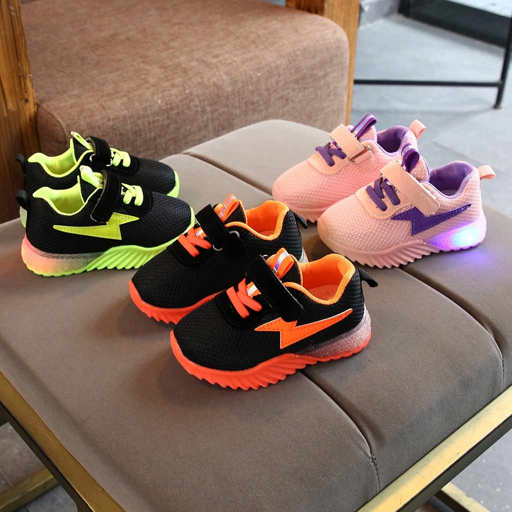New Children Luminous Shoes Children Girls Boys Breathable Mesh Flashing Lights Fashion Sneakers Toddler Little Kid LED Sneakers