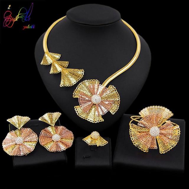 Yulaili Trendy Crystal Rhinestones Flower Shape Necklaces Pendant Earrings Bracelet Ring African Beads Women Dubai Jewelry Sets