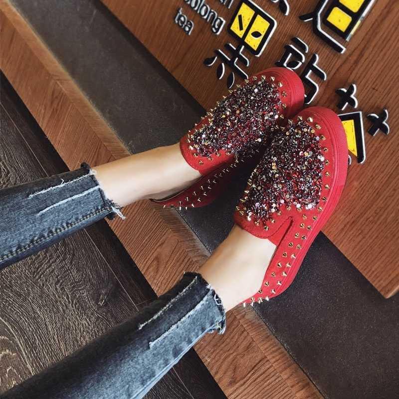 ฤดูใบไม้ผลิ 2019 Rivets Rhinestone ผู้หญิงรองเท้า Loafers สีดำแฟชั่นรองเท้าผ้าใบรอบรองเท้าสบายๆรองเท้าพลัสขนาด 35-43